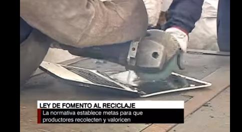 ¿En qué consiste la ley de fomento al reciclaje?. Reportaje CNN Chile.