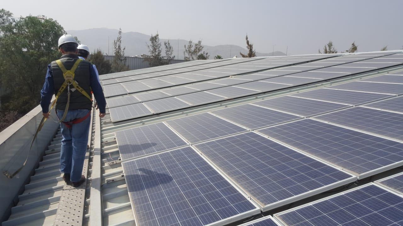 DEGRAF: energía 100% solar en su planta de reciclaje.